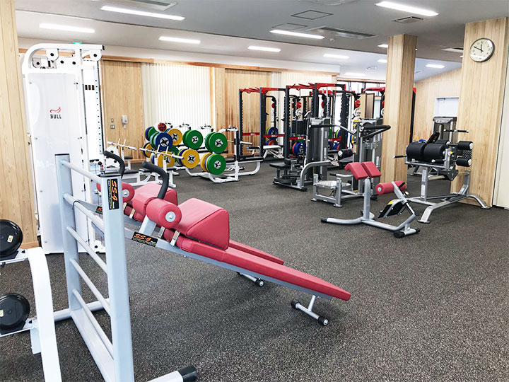 フリーウエイトトレーニング室内